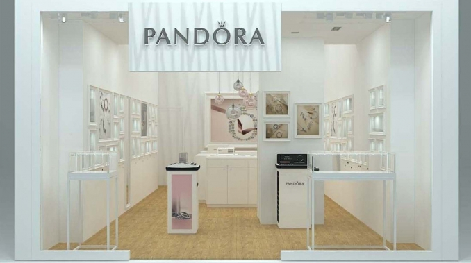 27/08/15 Indecosa first shop Pandora in Sevilla opened - INdecosa